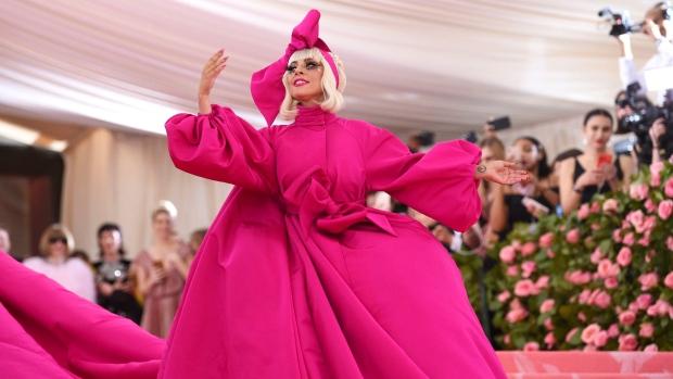 https://aliciayusuf.com/wp-content/uploads/2019/05/Gaga_MetGala-2019.jpg